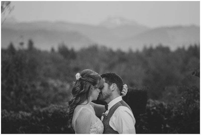 DestinationWedding_TravelingPhotographer_Seattle_Washington_Wild_Rose_Garden_wedding_Nate&Amy_PattengalePhotography_1798.jpg