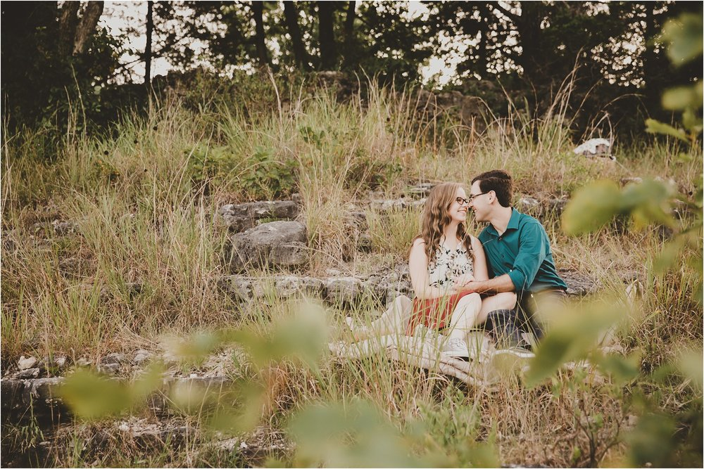 PattengalePhotography_Laura&Ryan_HaHaTonka_StatePark_Lake_of_the_Ozarks_EngagementSession_Adventure_Hiking_boho_Outdoor_Summertime_Style_Missouri_WeddingPhotographer_0003.jpg
