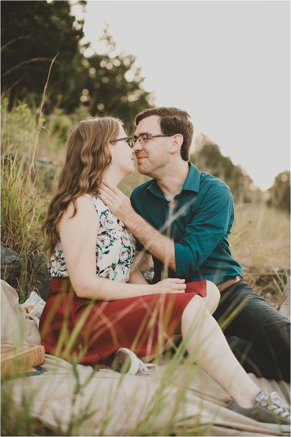 PattengalePhotography_Laura&Ryan_HaHaTonka_StatePark_Lake_of_the_Ozarks_EngagementSession_Adventure_Hiking_boho_Outdoor_Summertime_Style_Missouri_WeddingPhotographer_0014.jpg