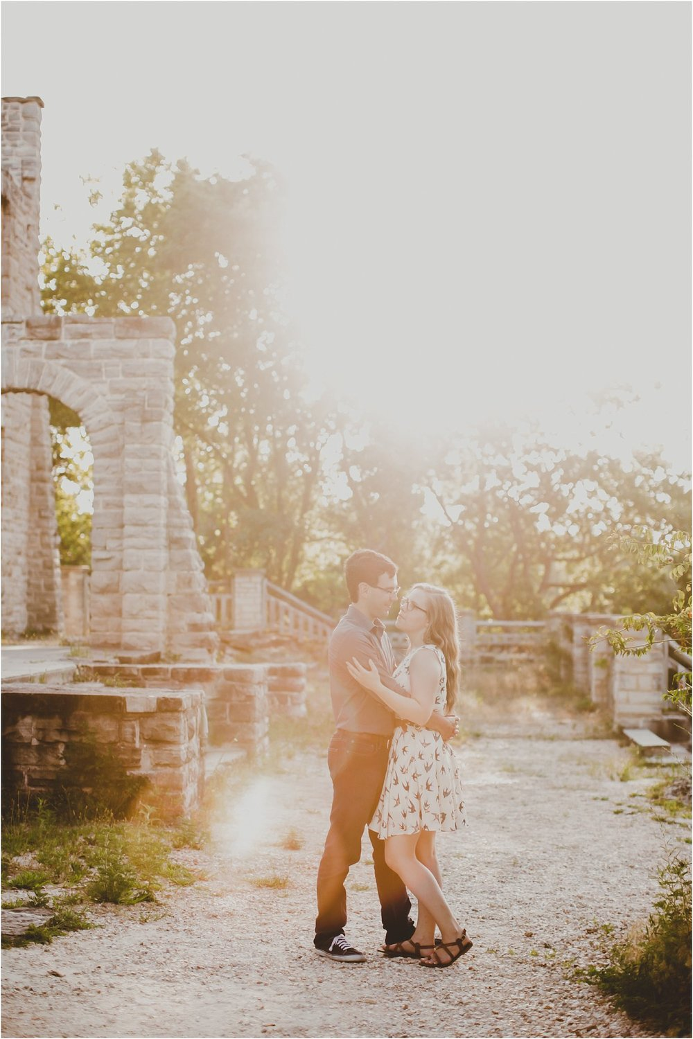PattengalePhotography_Laura&Ryan_HaHaTonka_StatePark_Lake_of_the_Ozarks_EngagementSession_Adventure_Hiking_boho_Outdoor_Summertime_Style_Missouri_WeddingPhotographer_0032.jpg