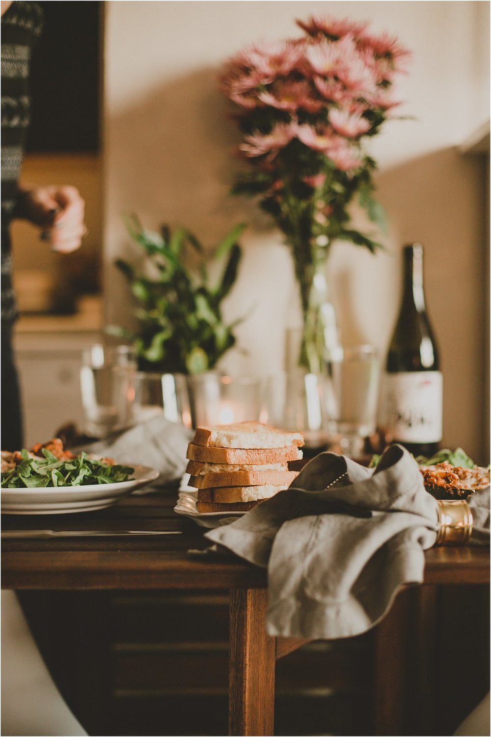 PattengalePhotography_StLouis_Missouri_Photographer_Romantic_Dinner_At_Home_ItalianStuffed_Zucchini_WeekendWear_DateNight_Newlyweds__0002.jpg