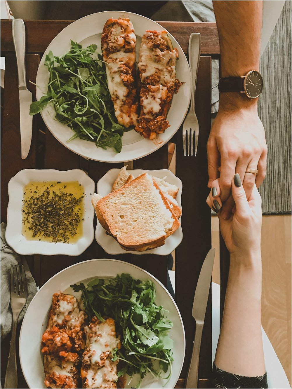PattengalePhotography_StLouis_Missouri_Photographer_Romantic_Dinner_At_Home_ItalianStuffed_Zucchini_WeekendWear_DateNight_Newlyweds__0001.jpg
