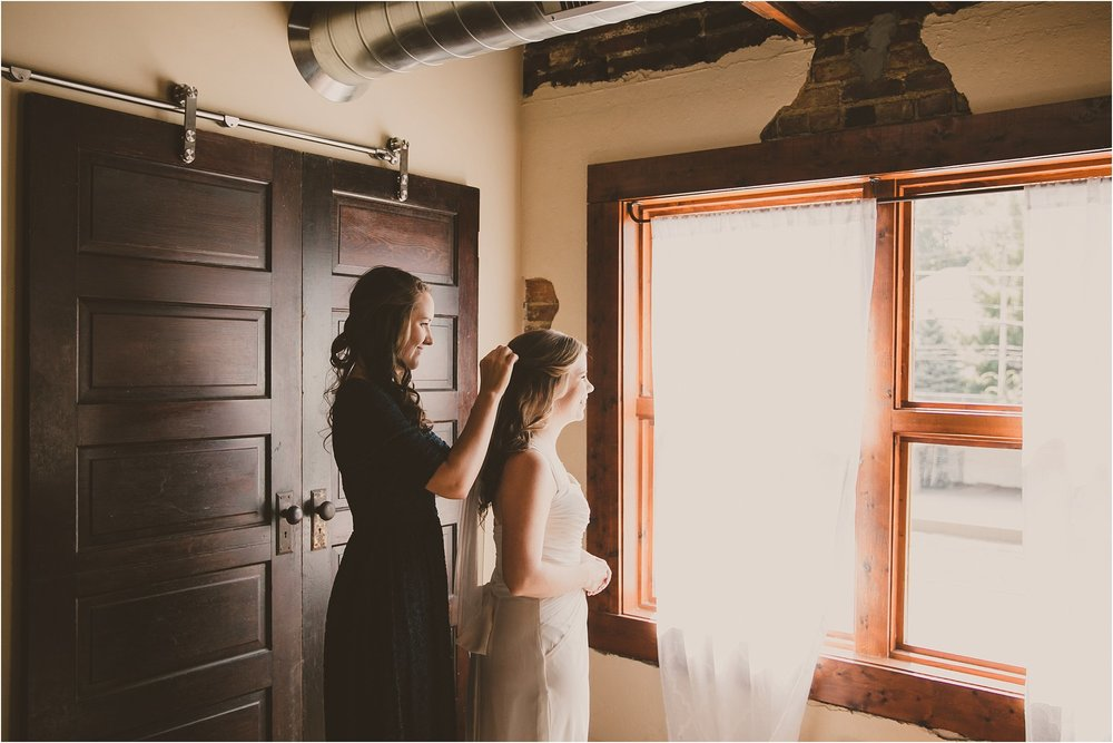 PattengalePhotography_Ryan&Laura_KansasCity_BrooksideGardens_Industrial_Modern_Blue_Fall_Wedding_KC_Hipster_Photographer__0008.jpg