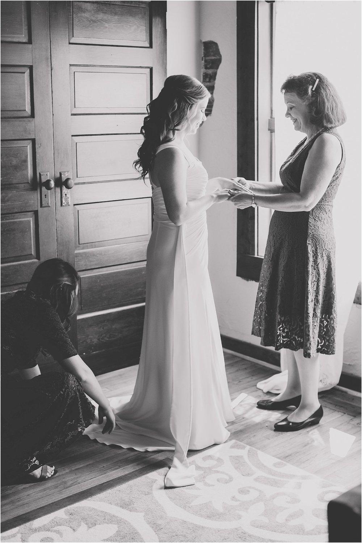 PattengalePhotography_Ryan&Laura_KansasCity_BrooksideGardens_Industrial_Modern_Blue_Fall_Wedding_KC_Hipster_Photographer__0023.jpg