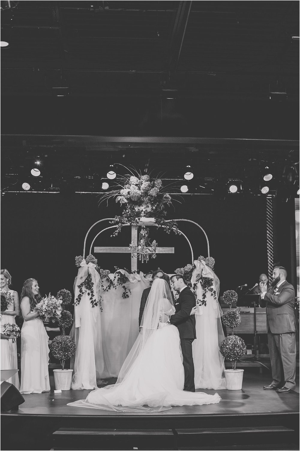 PattengalePhotography_StLouis_WeddingPhotographer_Miriam&Daniel_Hilton_BlackTie_Wedding__0043.jpg