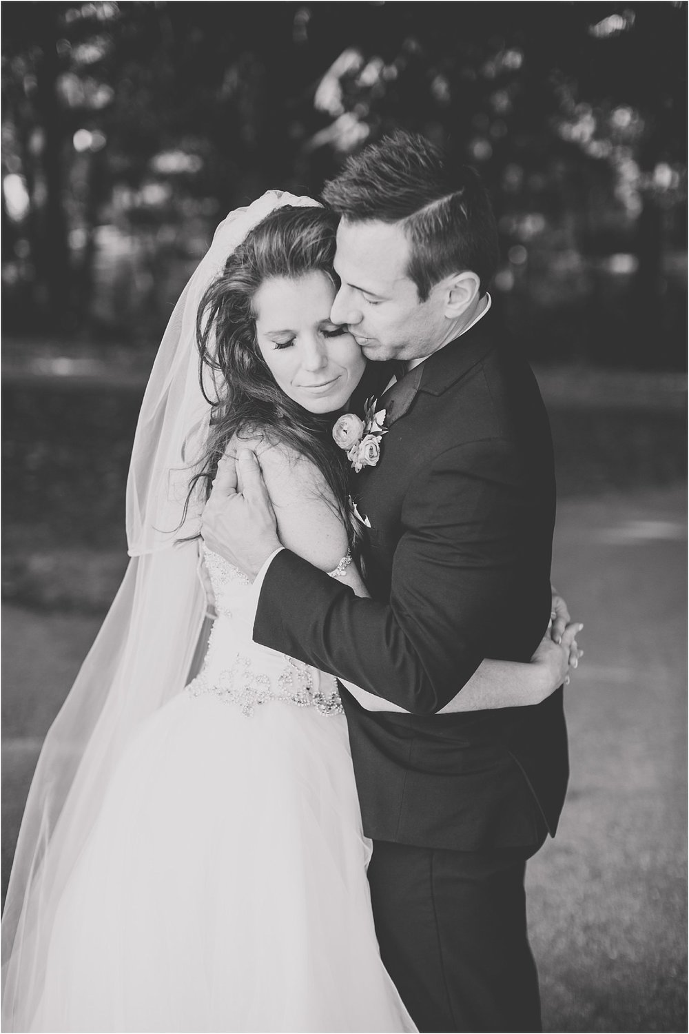 PattengalePhotography_StLouis_WeddingPhotographer_Miriam&Daniel_Hilton_BlackTie_Wedding__0059.jpg