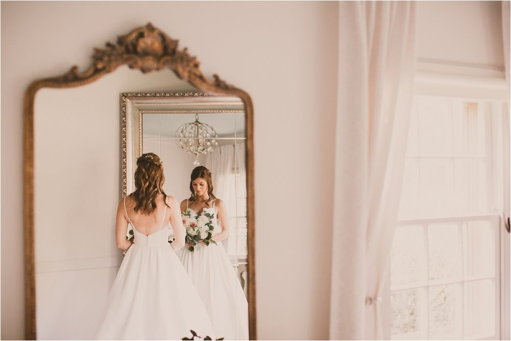 PattengalePhotography_BohoWedding_RichmondVirginia_Photographer_SevenSprings_Manor_Estate_Wedding_Hannah&Thomas_Elegant_Fall_Bohemian_blush_gold_farm__0027.jpg