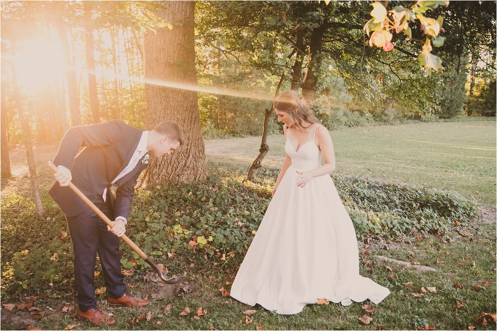 PattengalePhotography_BohoWedding_RichmondVirginia_Photographer_SevenSprings_Manor_Estate_Wedding_Hannah&Thomas_Elegant_Fall_Bohemian_blush_gold_farm__0073.jpg
