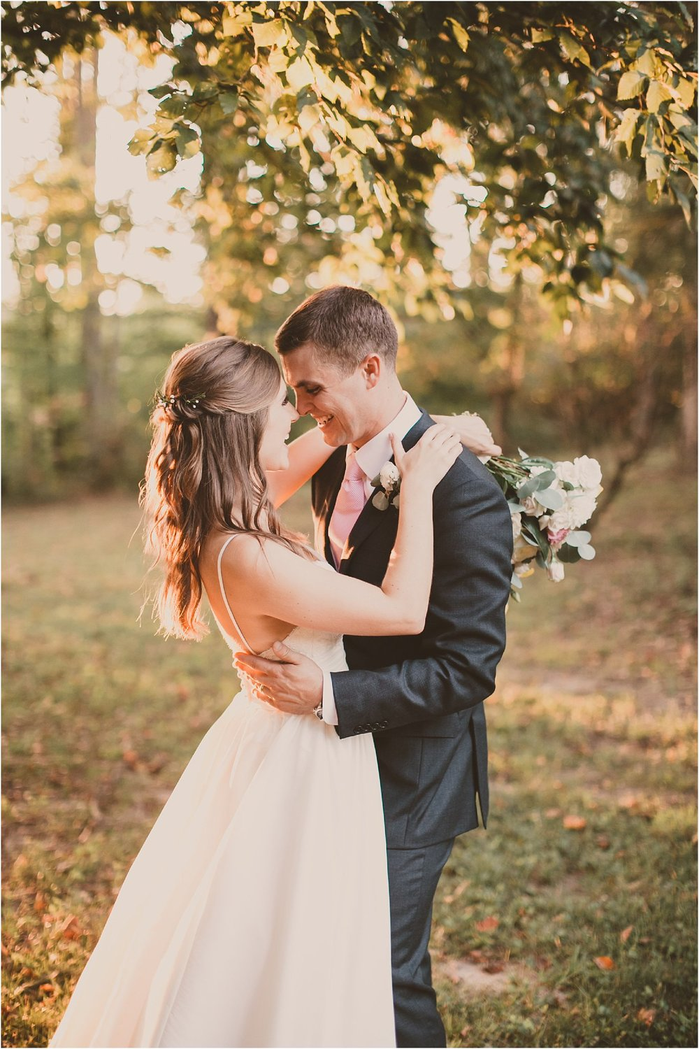 PattengalePhotography_BohoWedding_RichmondVirginia_Photographer_SevenSprings_Manor_Estate_Wedding_Hannah&Thomas_Elegant_Fall_Bohemian_blush_gold_farm__0079.jpg