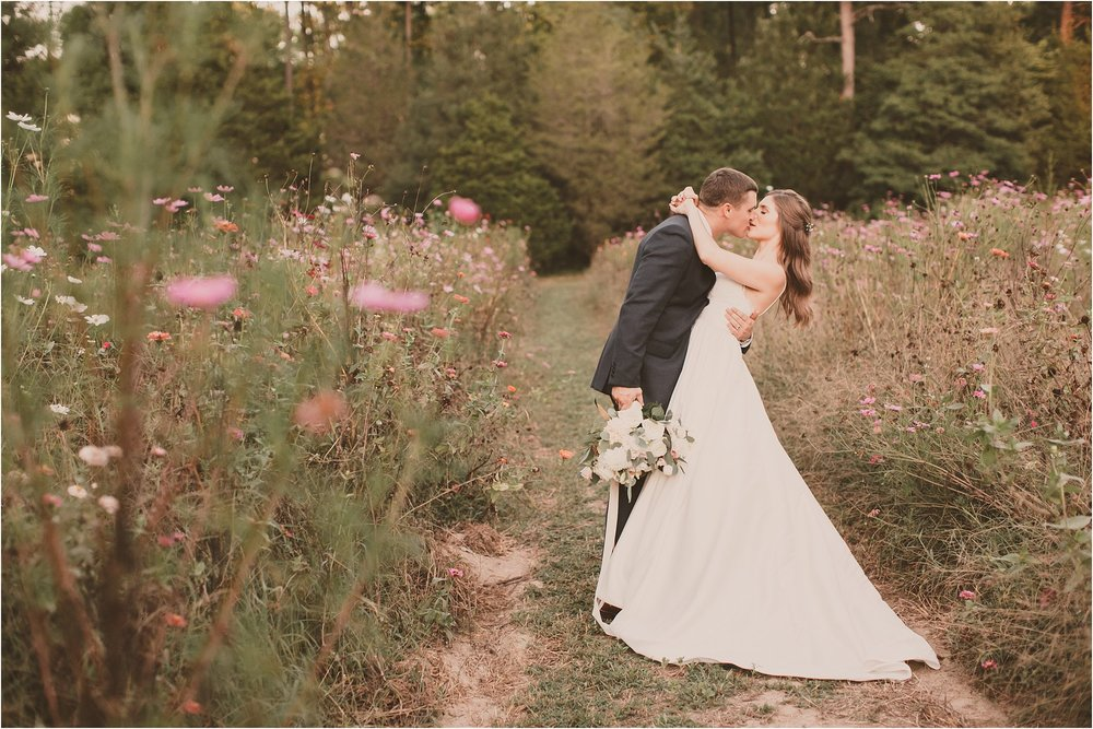 PattengalePhotography_BohoWedding_RichmondVirginia_Photographer_SevenSprings_Manor_Estate_Wedding_Hannah&Thomas_Elegant_Fall_Bohemian_blush_gold_farm__0081.jpg
