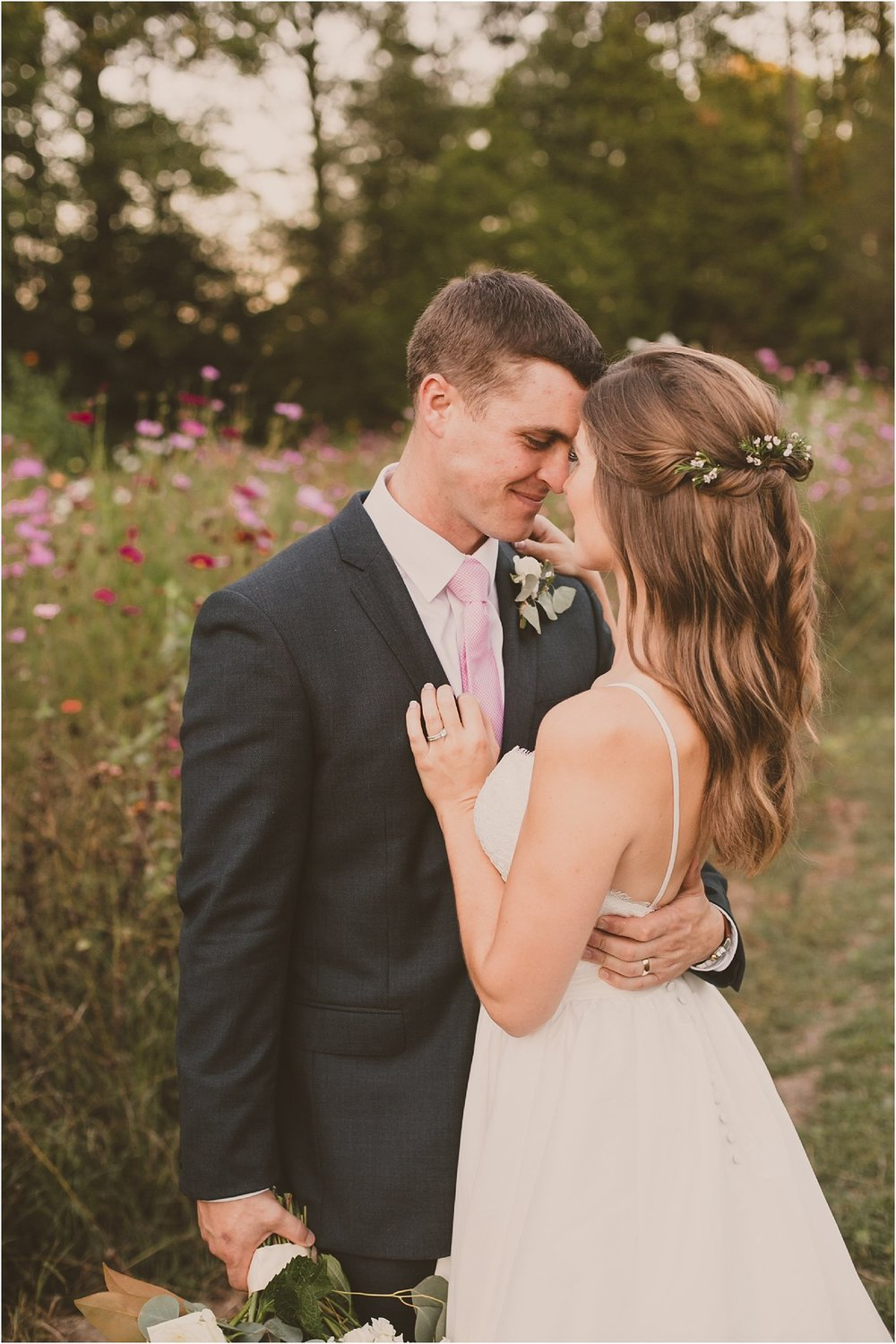 PattengalePhotography_BohoWedding_RichmondVirginia_Photographer_SevenSprings_Manor_Estate_Wedding_Hannah&Thomas_Elegant_Fall_Bohemian_blush_gold_farm__0082.jpg