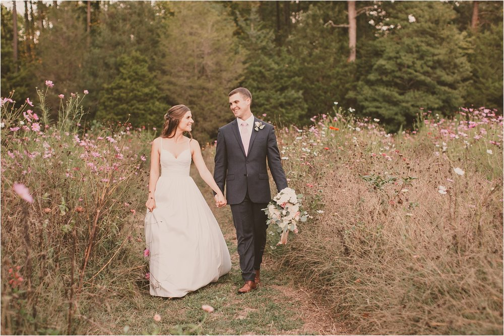 PattengalePhotography_BohoWedding_RichmondVirginia_Photographer_SevenSprings_Manor_Estate_Wedding_Hannah&Thomas_Elegant_Fall_Bohemian_blush_gold_farm__0089.jpg