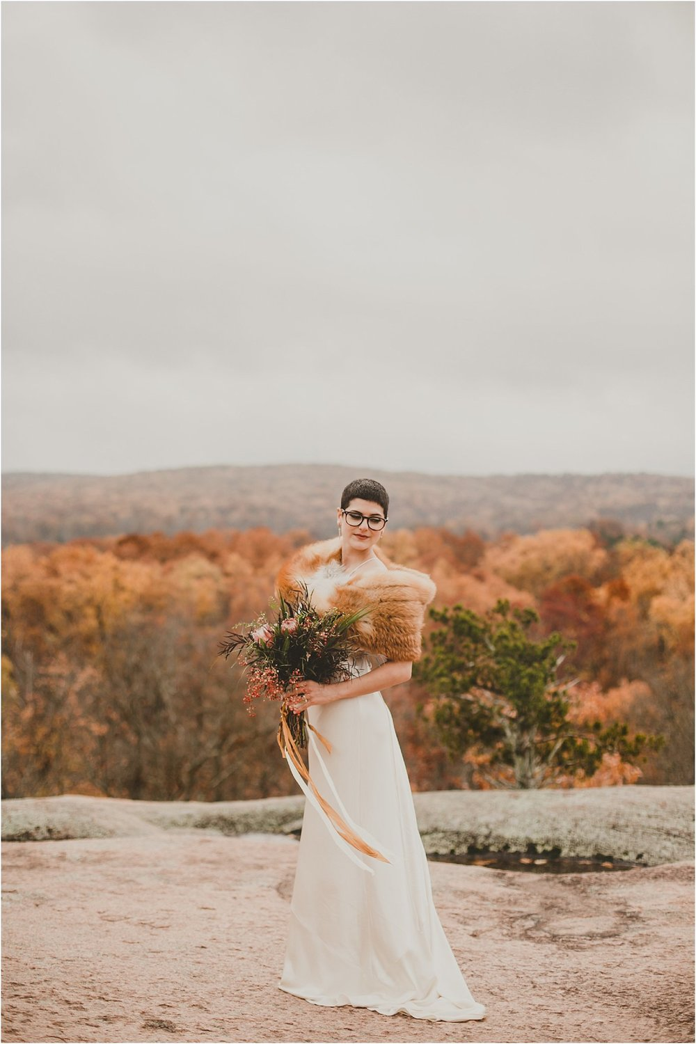 PattengalePhotography_boho_AdventureBride_StyledShoot_ElephantRockStatePark_StLouis_Bridal_Wedding_Wes&Jess__0009.jpg