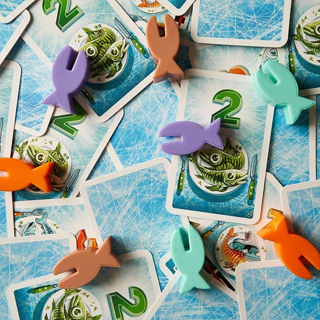Get them fishies #ICECOOL2 #boardgames