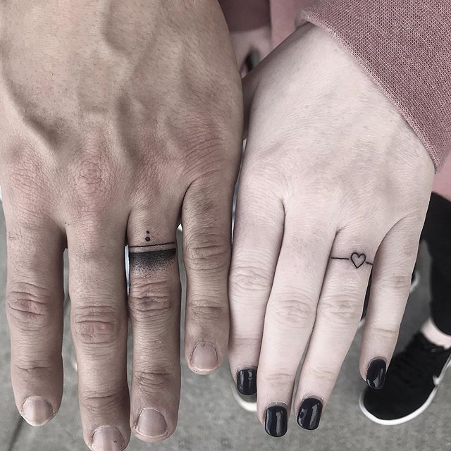 💍 . . . . #weddingbandtattoos #fingertattoos #fingertattoo #ringtattoo #couplestattoos #smalltattoo #tattoo #tattoos #terminuscitytattoo #duluthtattoo