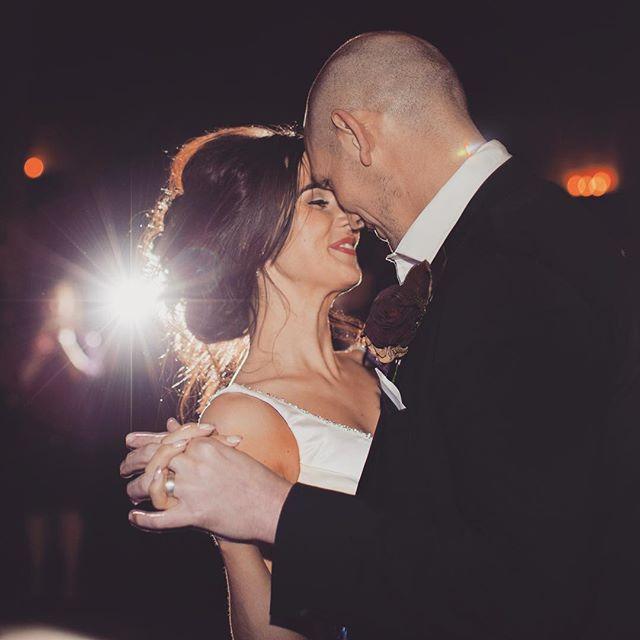 Lauren & Adam's first dance ❤️❤️ • Makeup by the amazing @ruthemua • #winterwedding #firstdance @shustokefarmbarns