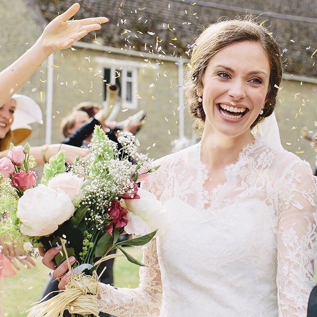 Love the detail in Bex's dress!Beautiful bouquet too 💐💕 #momentslikethese