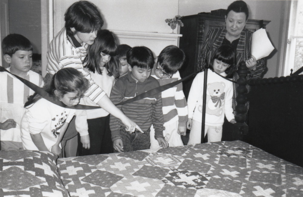 "Students learn about the 1849 ""Scarsdale Quilt"" donated by Tykle Horowitz."