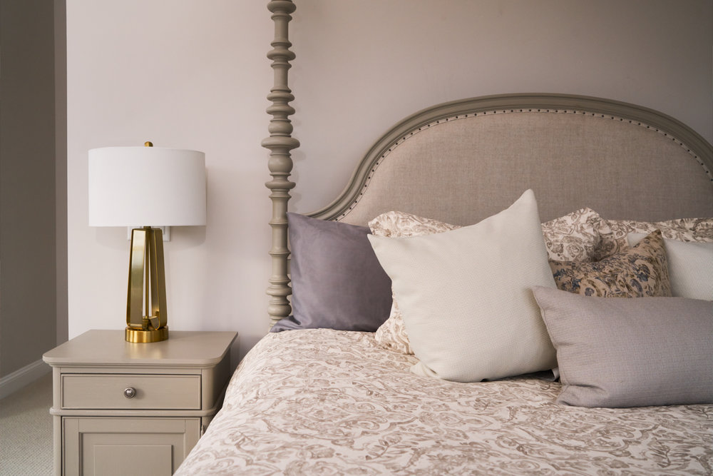 bedroom lampr_1.jpg
