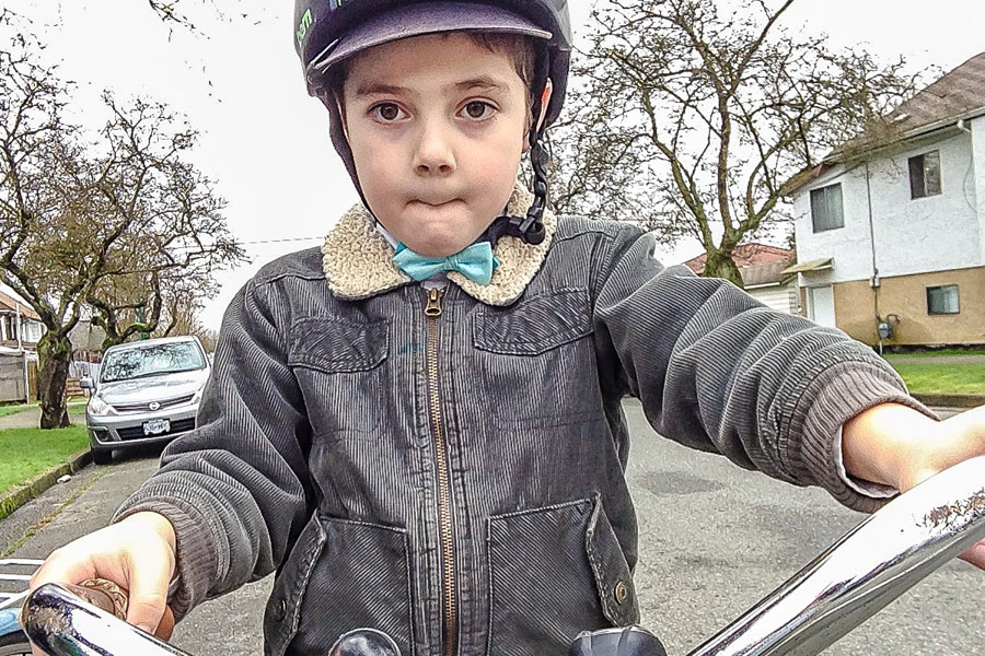 Etienne's impeccable dress sense often makes him the most stylish cyclist on the bikeway.