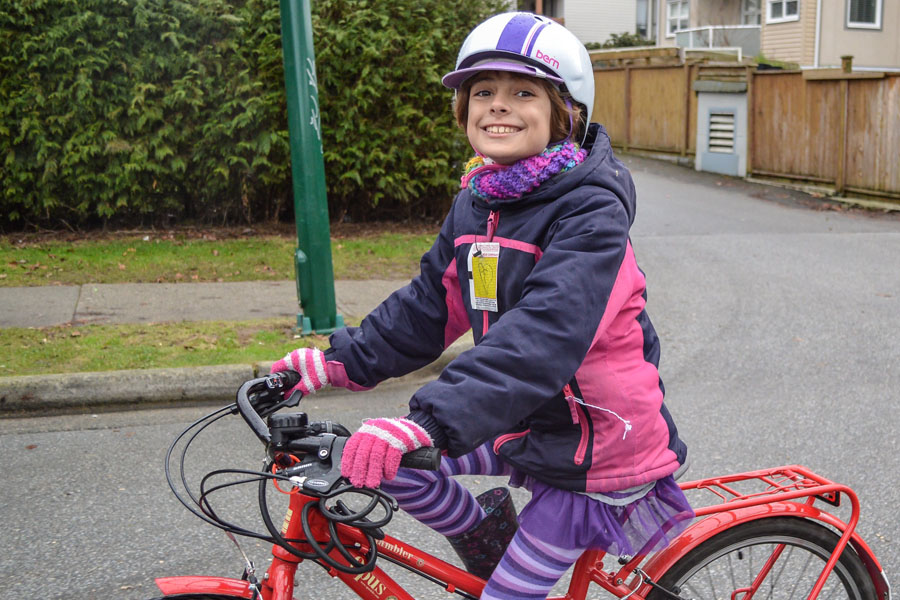 Her tights match her jacket match her scarf/gloves match her helmet. I assure you, that isn't a coincidence.