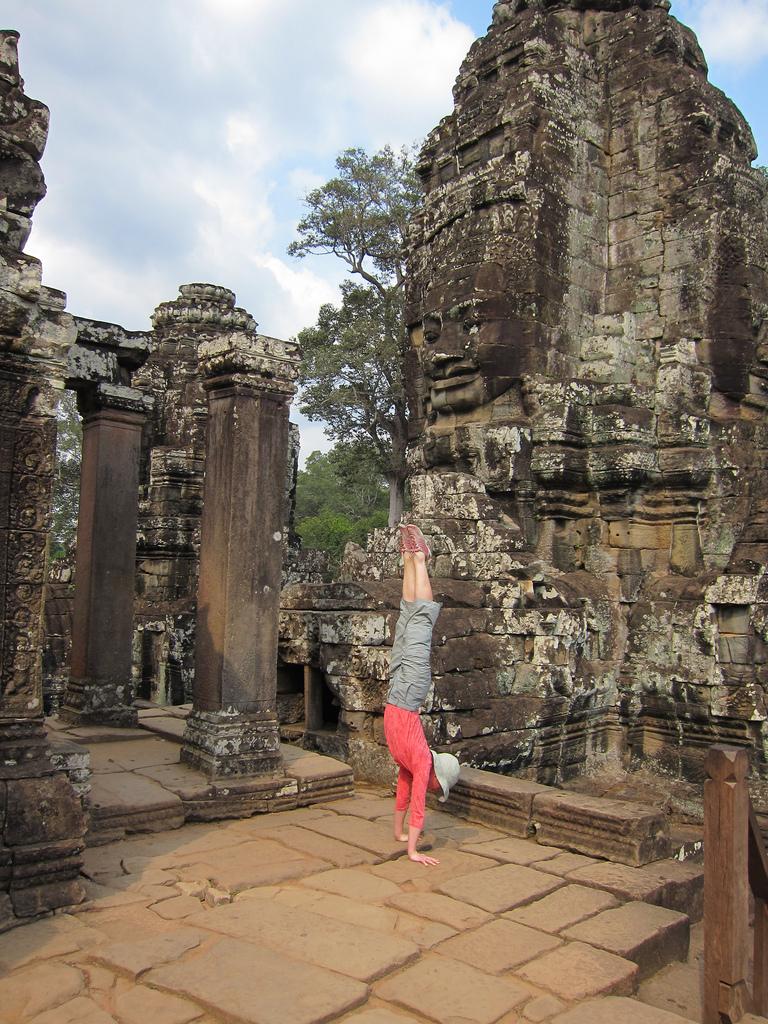 AngkorWat_temple_handstand.jpg