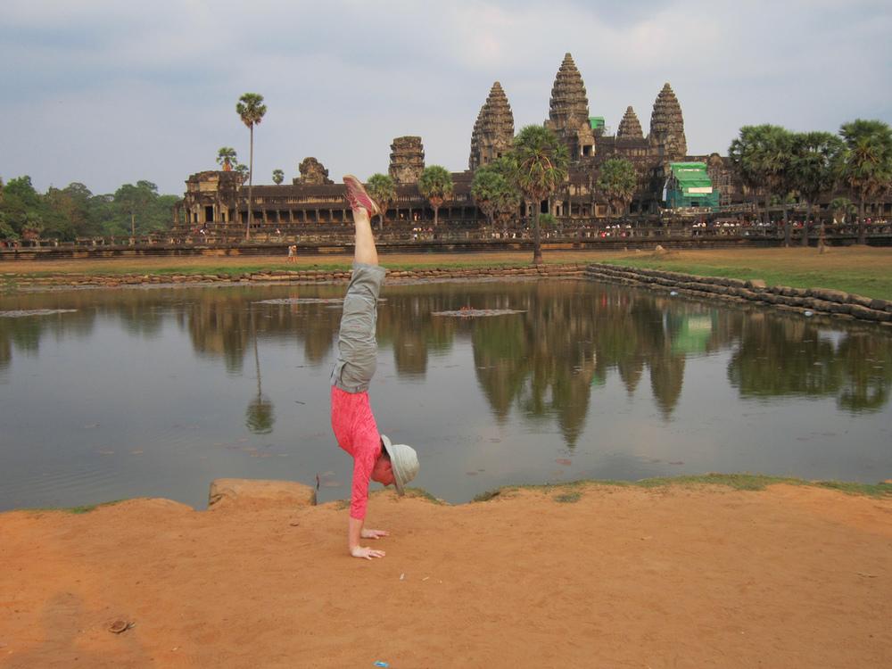 AngkorWat_complex_handstand.jpg