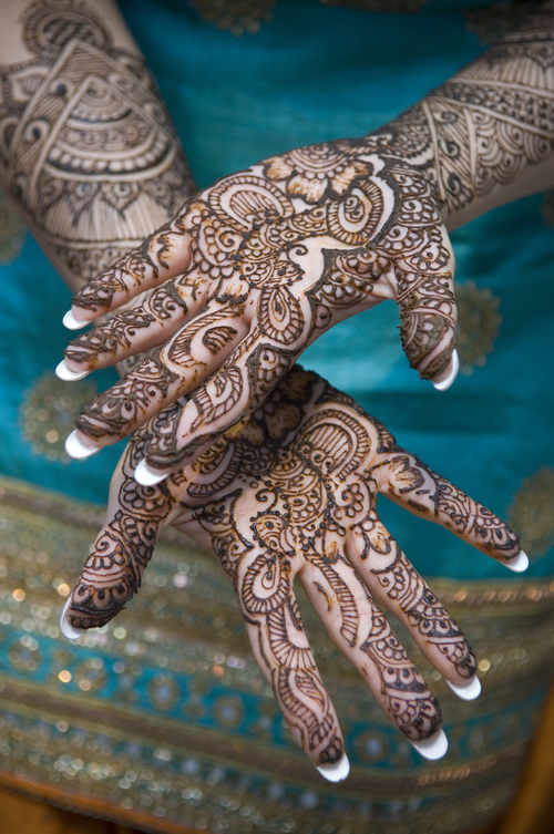 Henna Art Melbourne, belly dance melbourne, book a henna artist Melbourne