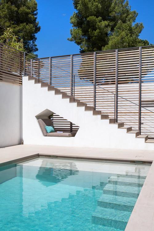 villa-bois-comtemporaine-provence-12.jpg