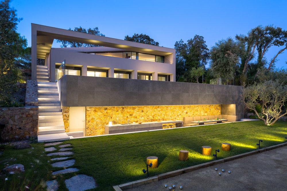villa-contemporaine-décoration-ramatuelle-10.jpg