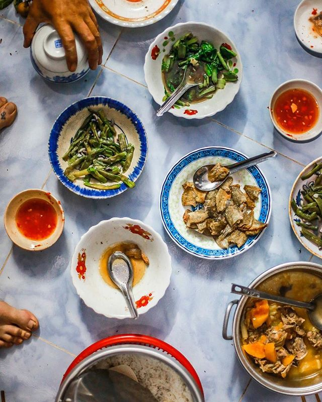 Food food food always more food 🇻🇳 #Vietnam #vietnamesefood #charity #volunteer