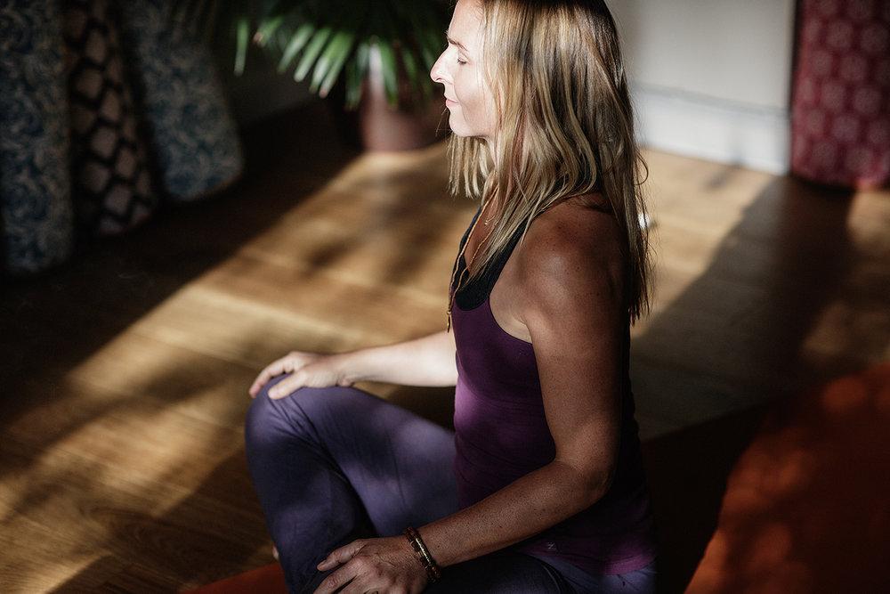 05_Lou Yoga Image Zen.jpg