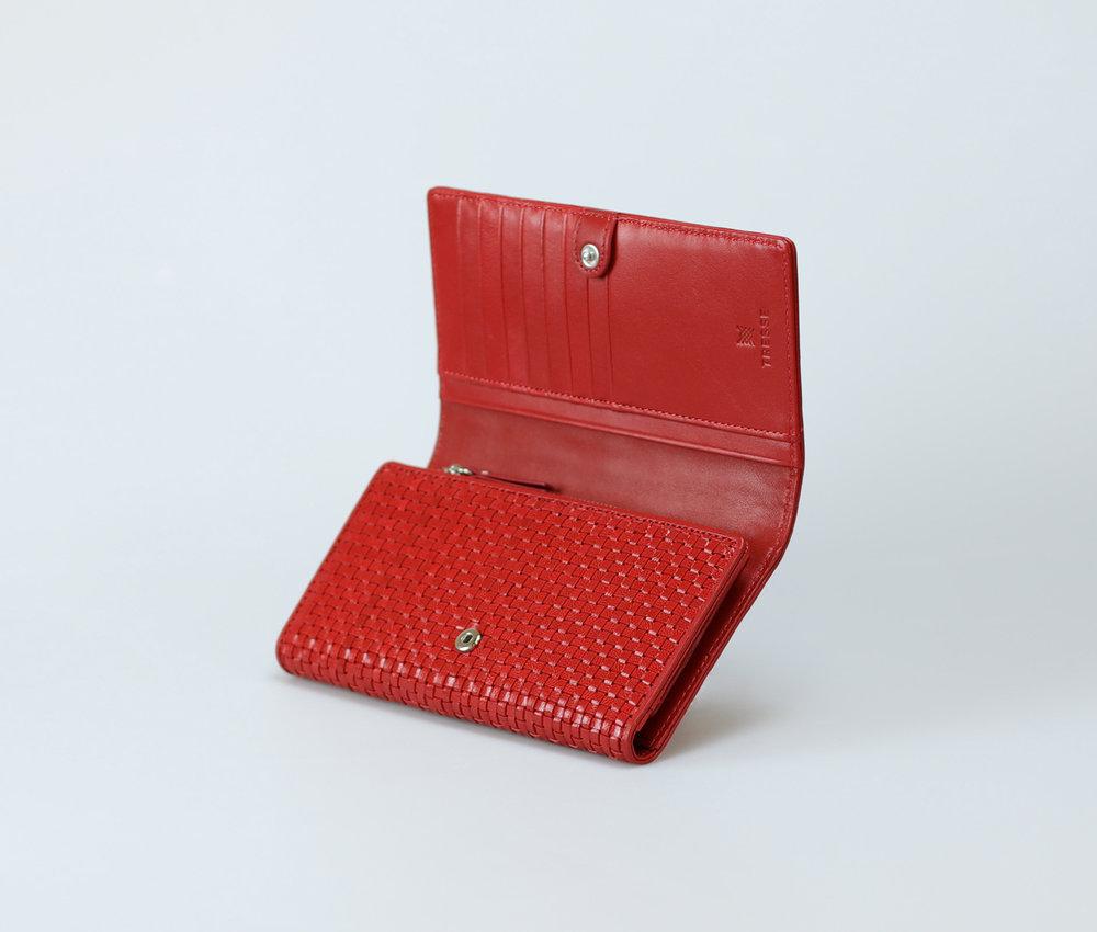 red-women-classic-weave-long-trifold-wallet-orimono-tresse-4.jpg