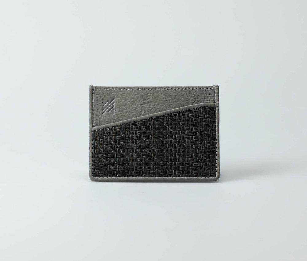 black-grey-men-cross-weave-cardcase-zhi-tresse-1.jpg
