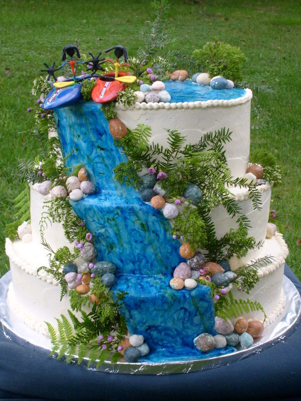Kayak Cake.JPG