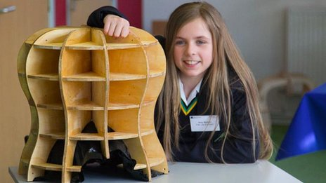 Amy Mather, a young pioneer of designing with 3D printer technology