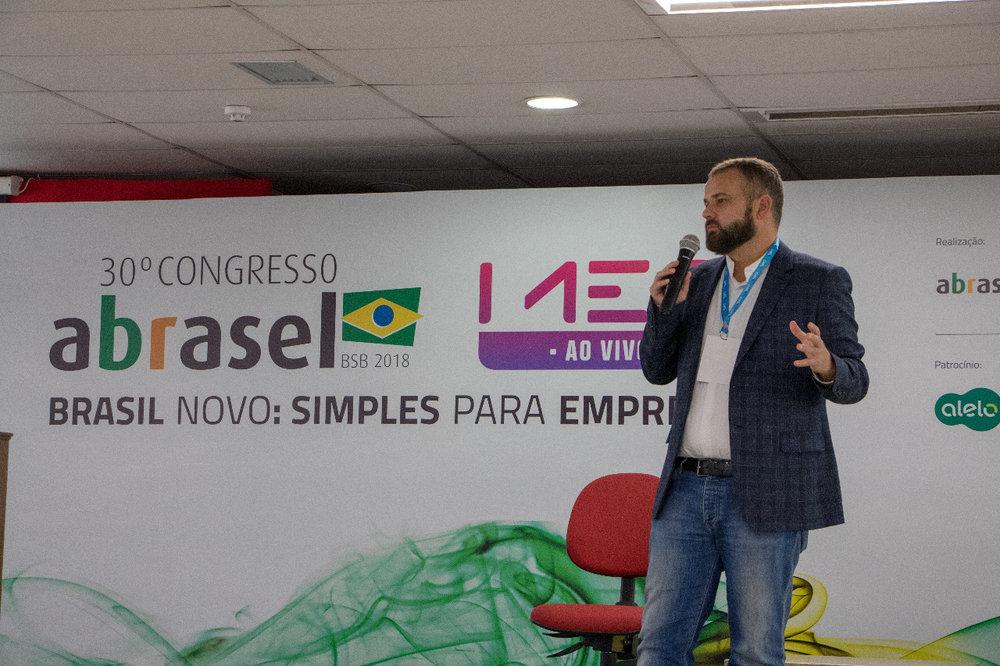 Renato Meirelles.jpg