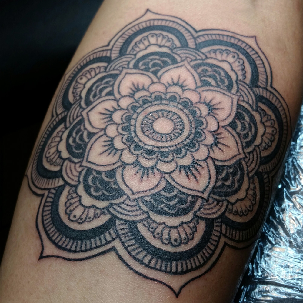 mandala_lea_smith_tattoos.jpg