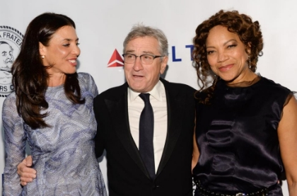Evan Agostini/Evan Agostini/Invision/AP                 Robert De Niro poses with his daughter Drena De Niro, left, and wife Grace