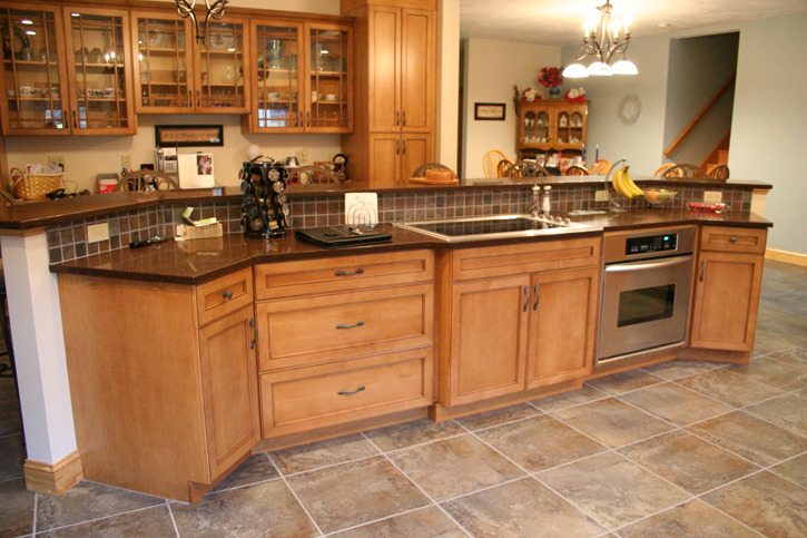 Ultracraft Traditional Kitchen_Amherst-B.jpg