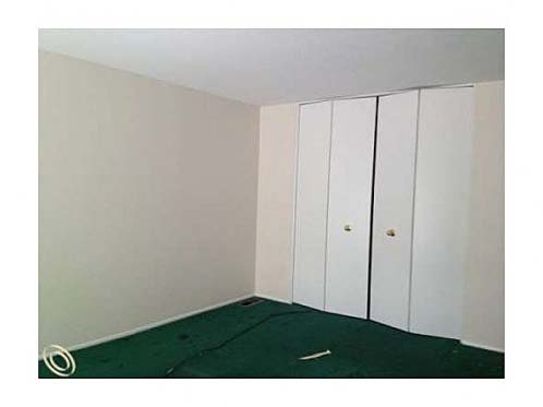 Bad Carpet_Zillow.jpg