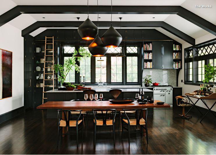 Black Kitchen 1