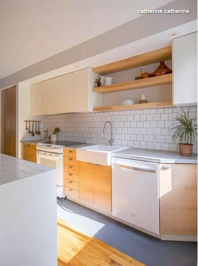 White_Wood_Kitchen_5.JPG