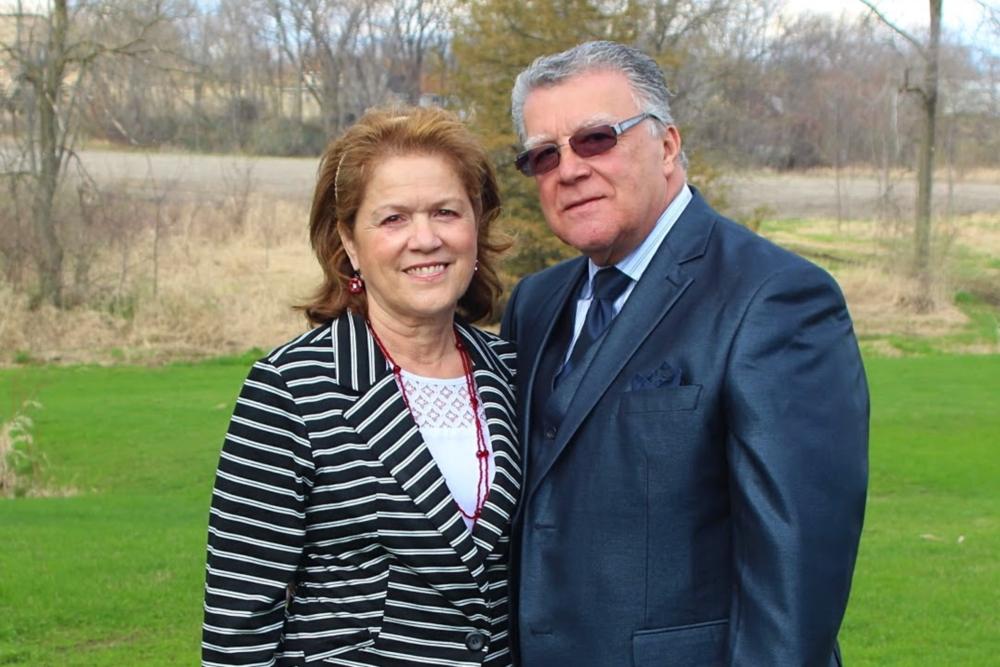 Pastores Luis y Mirtha Ruiz -Le invitamos a unirse a nosotros en la adoración, alabanza y predicación. Dios te bendiga!