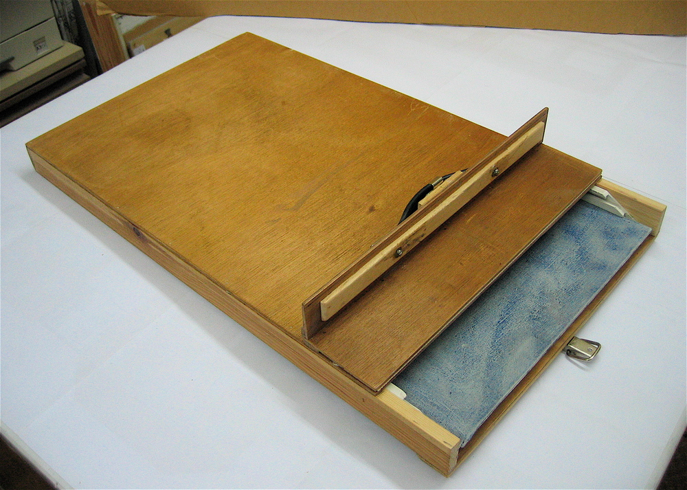 Box for 2 no. 24 x 13in boards shown with open lid. The 'L' shaped angled lid facilitates easy access to the boards.