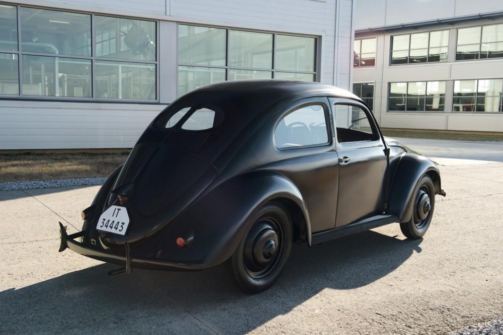 """Un des plus anciens modèle de KdF Wagen encore en état, qui donnera naissance à la VolksWagen """"Coccinelle""""."""