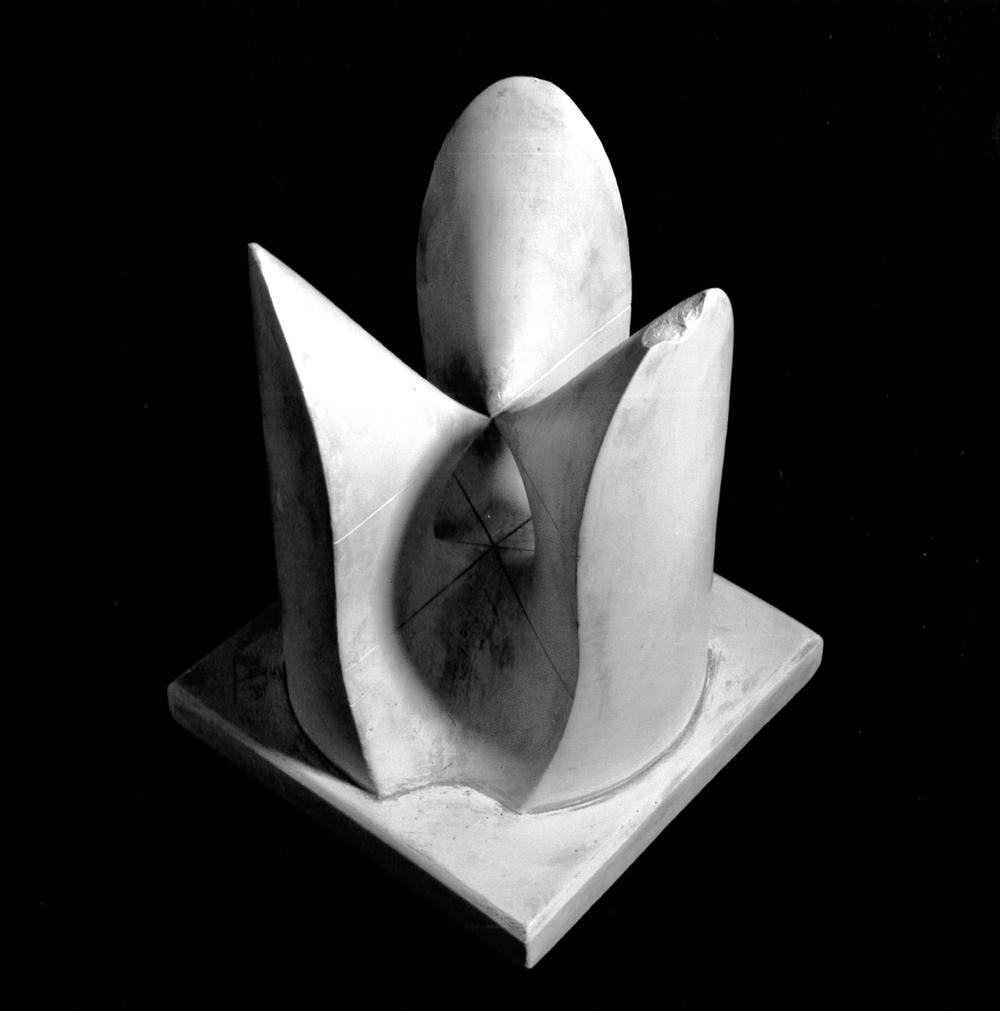 surface cubique avec un point double uni-planaire U6 dont le plan principal coupe la surface en trois droites