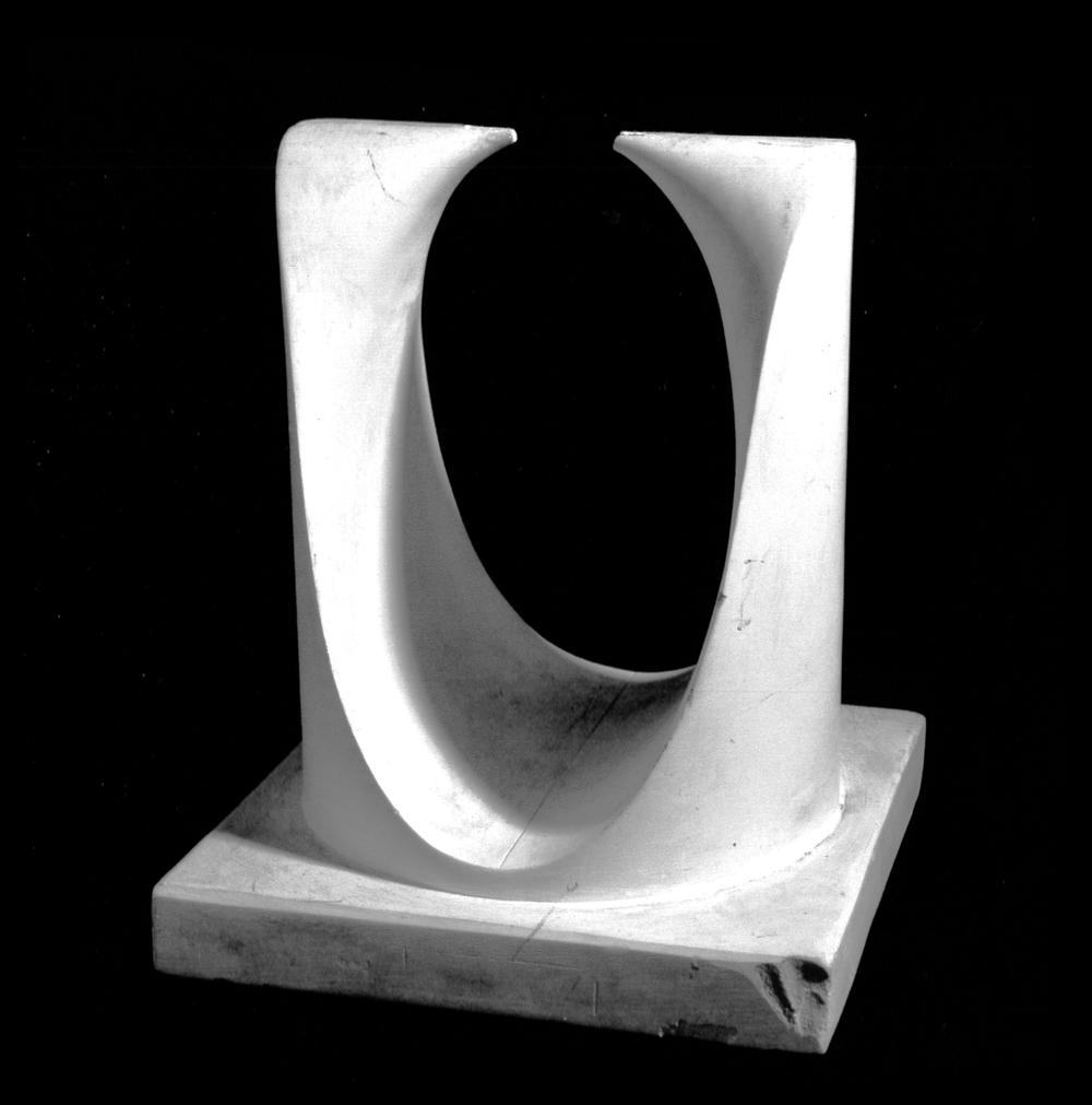 surface cubique avec un point double biplanaire B4 avec une paire de plans principaux imaginaires