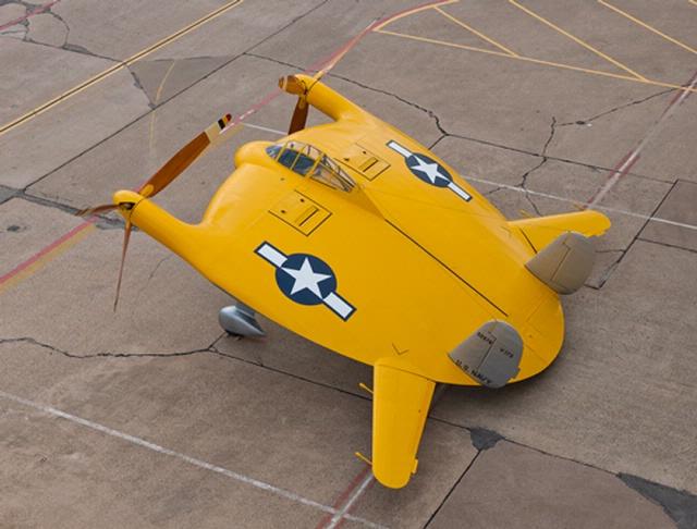 Ci-dessus le V-173 dans sa livrée d'origine.