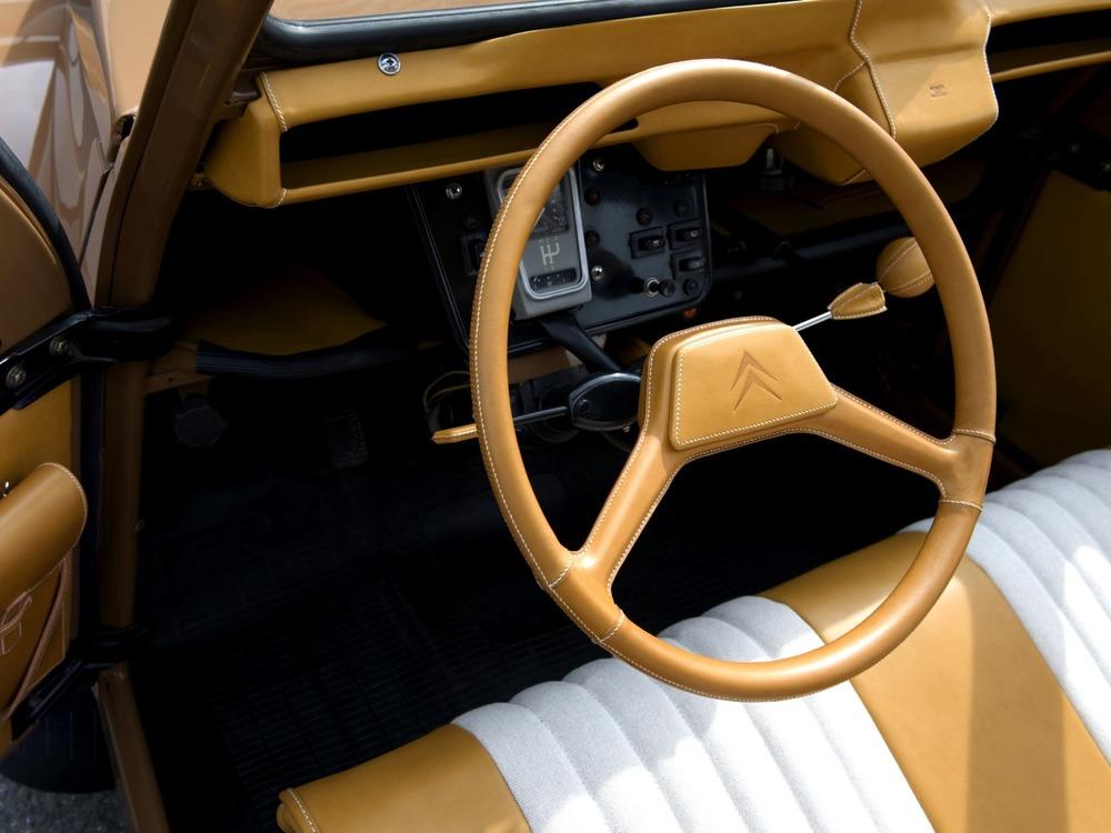 2008 - Citroën 2CV concept par Hermès
